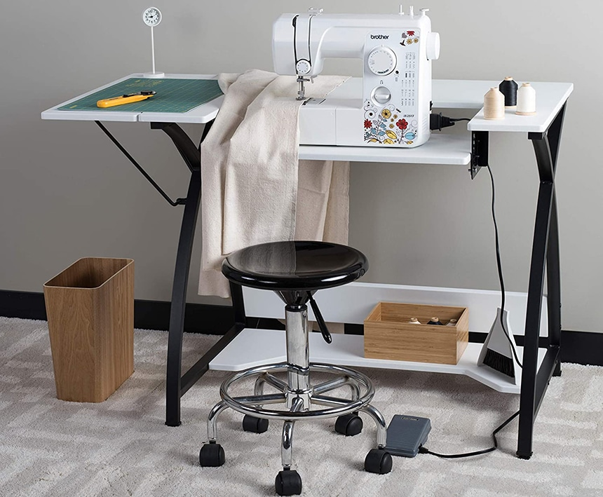 6 Best Fabric Cutting Tables – A Lot of Room for Your Projects!