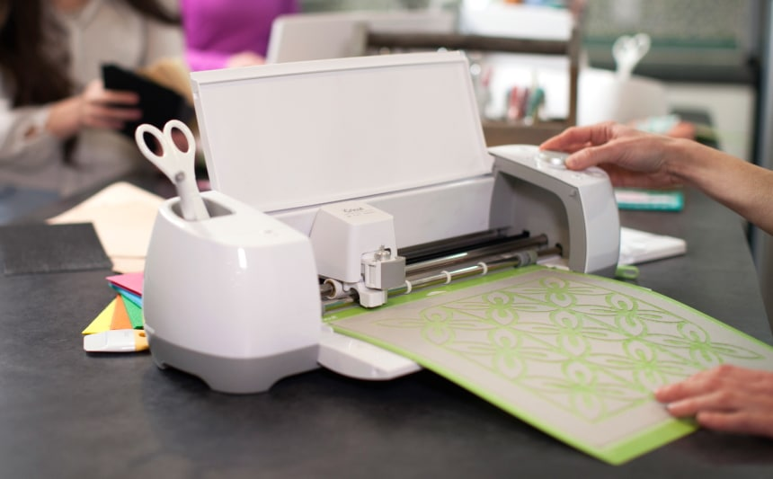 7 Best Cricut Machines that Can Do Plenty of Crafting Tasks with Ease