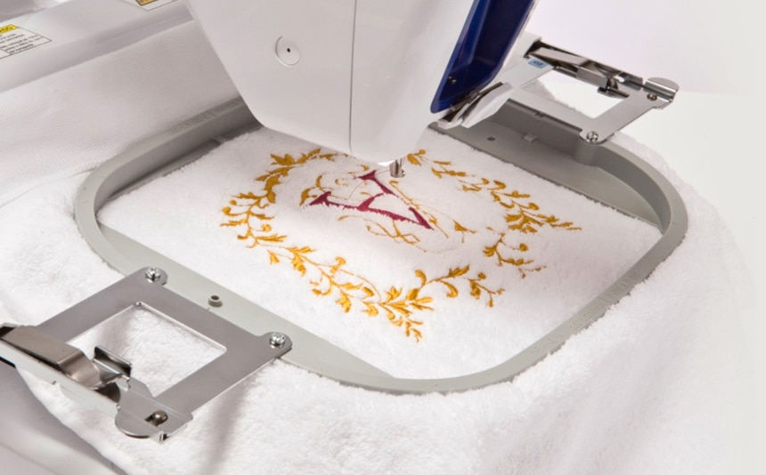 5 Best Sewing Machines for Monogramming – Decorate Items with Letters and Phrases!