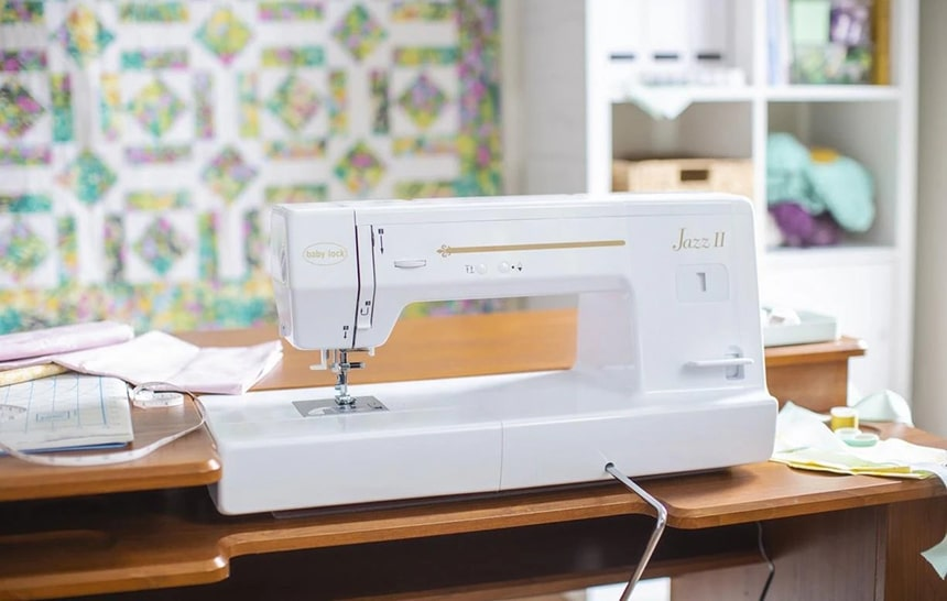 8 Outstanding Sewing Machines for Leather - Work with Heavy Fabrics is Easy