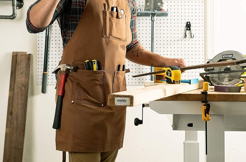 10 Great Woodworking Aprons to Make Your Crafting Comfortable