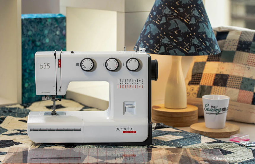 Mechanical vs Computerized Sewing Machine: What to Choose?